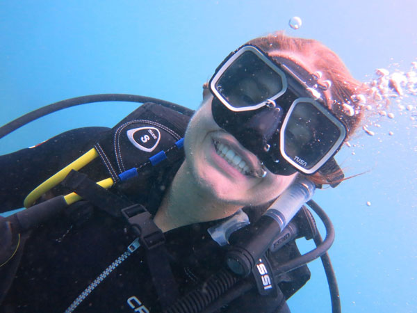 chica buceo tayrona